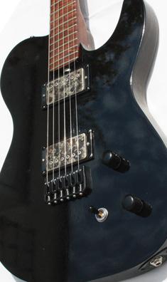 Eine Gitarre von Lowe Guitars