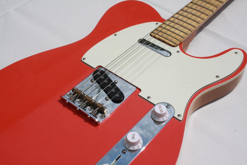 Eine rote Telecaster von Lowe Guitars